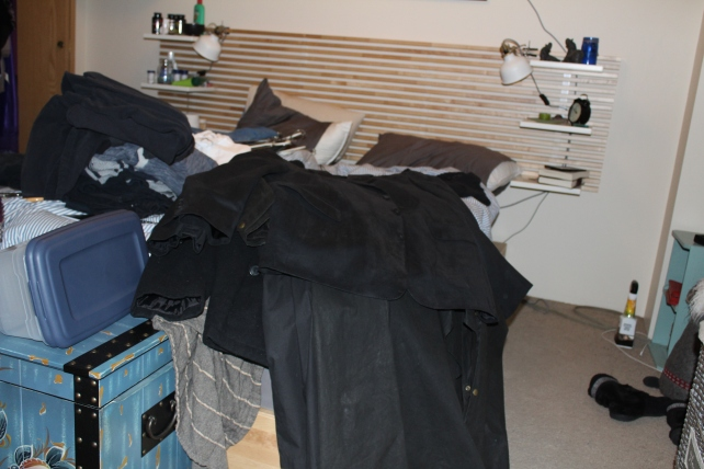 closet-clothes everywhere2