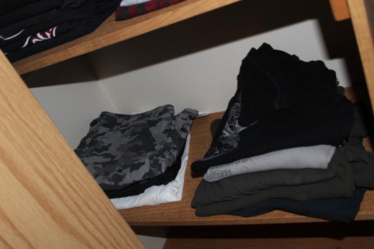 closet-long sleeved shirts back