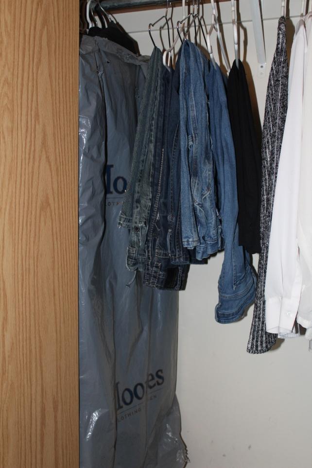closet-pants in